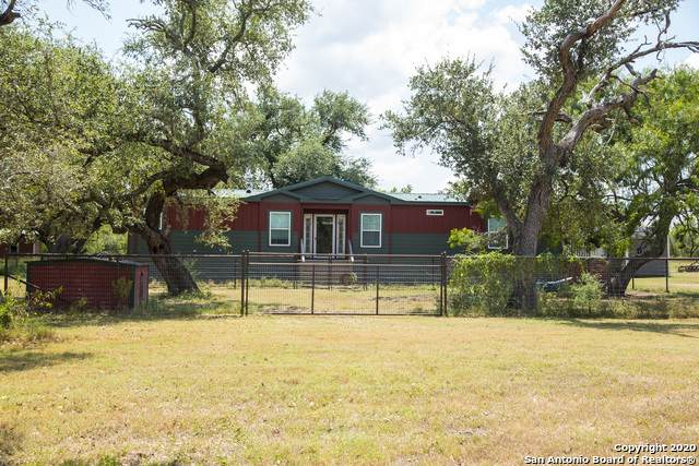 1902 County Road 326, Kenedy, TX 78119 (MLS #1479160) :: 2Halls Property Team | Berkshire Hathaway HomeServices PenFed Realty