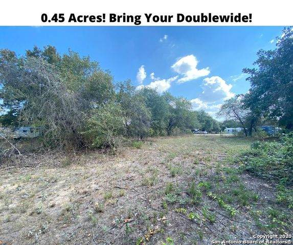 22926 Black Cherry, Elmendorf, TX 78112 (MLS #1479249) :: The Glover Homes & Land Group