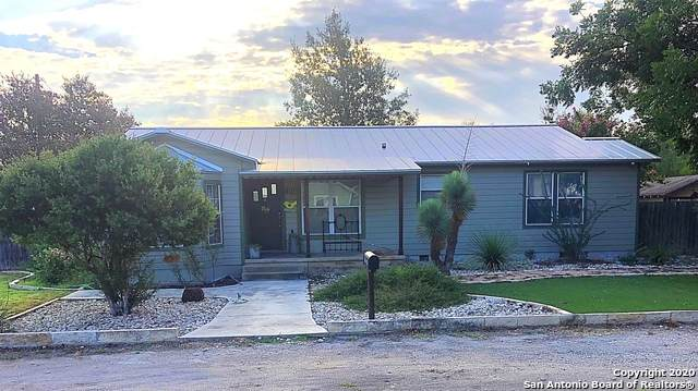 401 S Jamison Dr, Devine, TX 78016 (MLS #1479567) :: The Gradiz Group