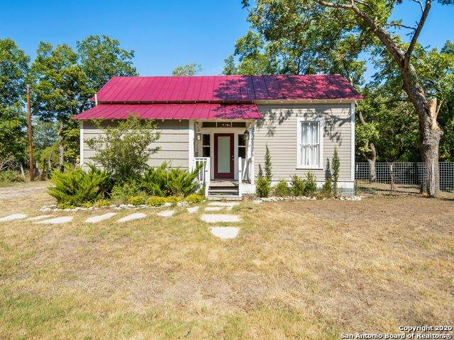 320 Second St, Comfort, TX 78013 (MLS #1479717) :: The Real Estate Jesus Team