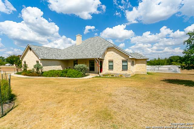 220 Skye Dr, Kerrville, TX 78028 (MLS #1479805) :: The Gradiz Group