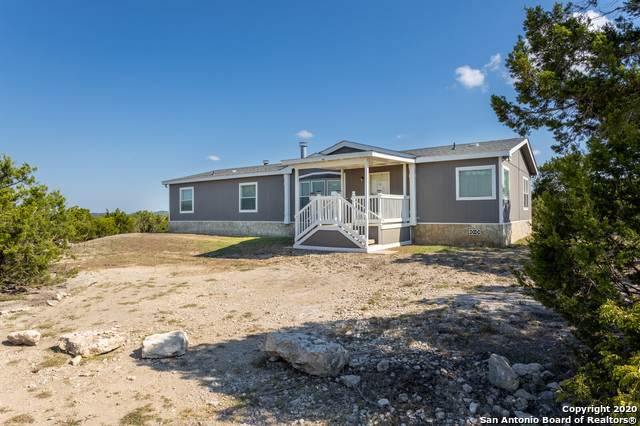 650 County Road 2700, Mico, TX 78056 (#1479934) :: The Perry Henderson Group at Berkshire Hathaway Texas Realty