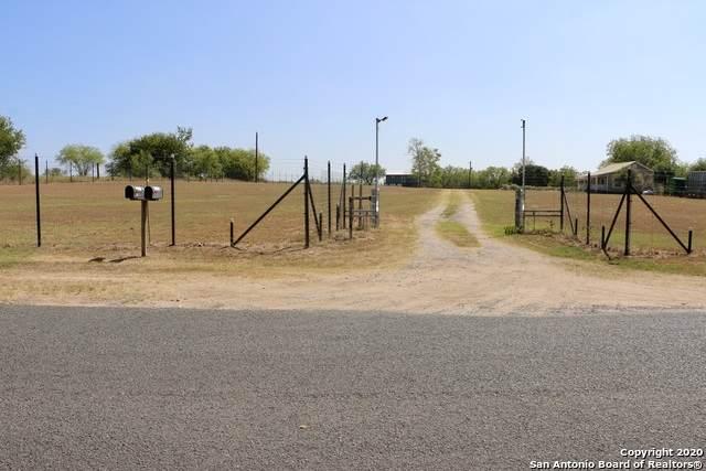19130 Southton Rd, Elmendorf, TX 78112 (MLS #1480244) :: Concierge Realty of SA