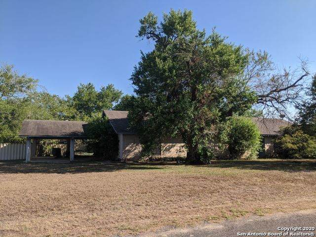 202 Forrest Dr, La Vernia, TX 78121 (MLS #1480517) :: The Castillo Group