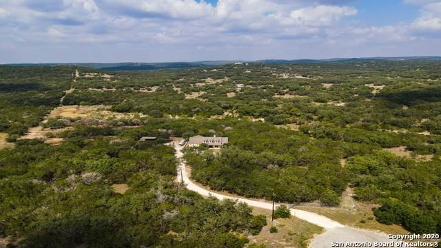 374 W County Road 2481, Hondo, TX 78861 (#1481353) :: The Perry Henderson Group at Berkshire Hathaway Texas Realty
