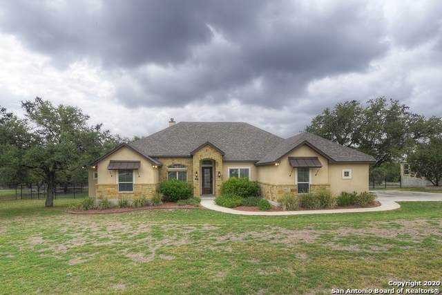 1037 Spanish Trail, New Braunfels, TX 78132 (MLS #1481983) :: The Castillo Group