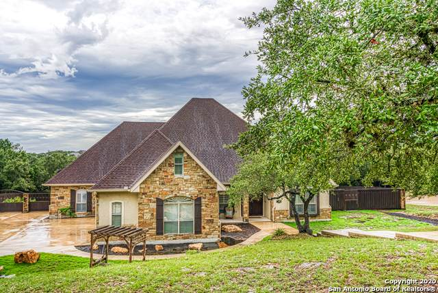 424 Bentwood Dr, Spring Branch, TX 78070 (MLS #1482419) :: The Castillo Group