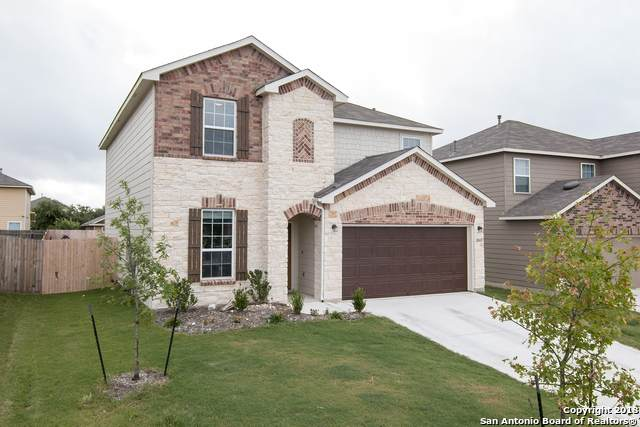 2410 Labelle Etoile, Converse, TX 78109 (#1482433) :: The Perry Henderson Group at Berkshire Hathaway Texas Realty