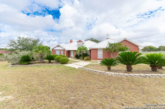508 Flower Trail Loop, Floresville, TX 78114 (MLS #1482451) :: Concierge Realty of SA