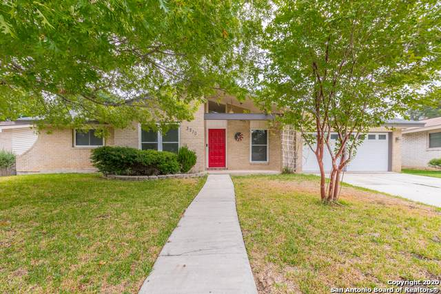 3210 Clearfield Dr, San Antonio, TX 78230 (MLS #1482734) :: The Castillo Group