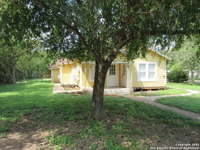 506 Wurzbach St, Seguin, TX 78155 (MLS #1483345) :: Carolina Garcia Real Estate Group
