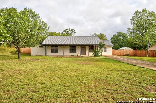 308 Honey Bee Dr, Ingram, TX 78025 (MLS #1483685) :: The Lugo Group
