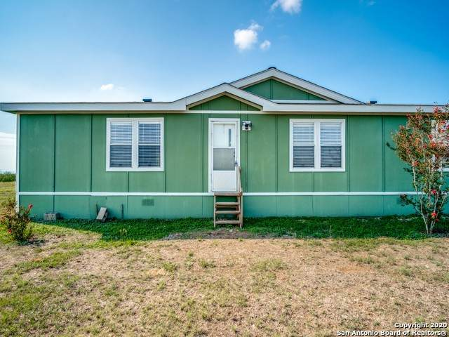 452 Private Road 6620, Devine, TX 78016 (MLS #1484046) :: The Gradiz Group