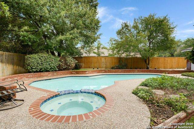 2 Inwood Way Dr, San Antonio, TX 78248 (MLS #1484143) :: The Real Estate Jesus Team