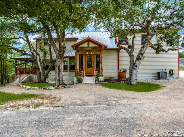 111 Brookview Dr, Boerne, TX 78006 (MLS #1484421) :: REsource Realty
