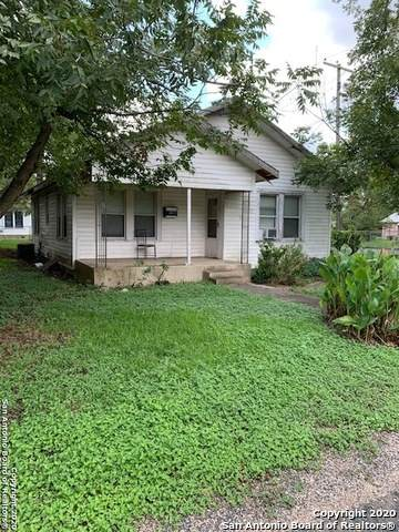 729 Mitchell Ave, Seguin, TX 78155 (MLS #1484641) :: Carolina Garcia Real Estate Group
