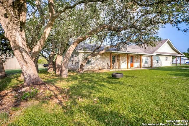 12 Fabra Oaks Rd, Boerne, TX 78006 (MLS #1484694) :: Real Estate by Design