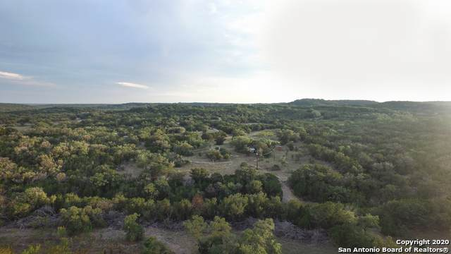 152 Pr 2410, Hondo, TX 78861 (#1484696) :: The Perry Henderson Group at Berkshire Hathaway Texas Realty