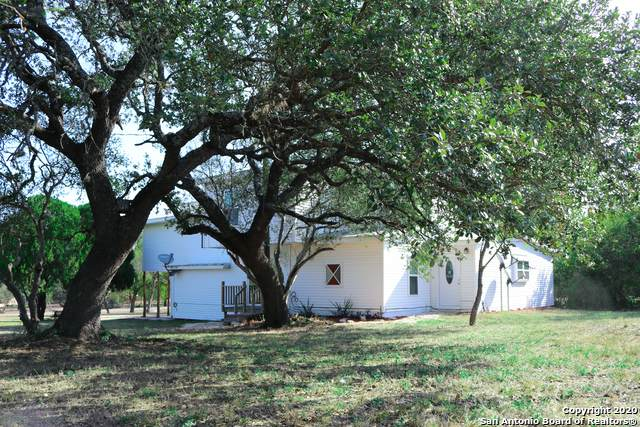 122 Cr 5720, Castroville, TX 78009 (MLS #1485149) :: The Mullen Group | RE/MAX Access