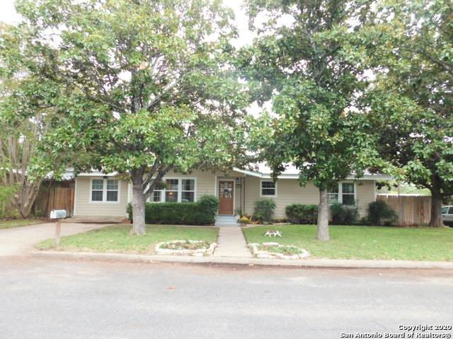 801 N Edison St, Fredericksburg, TX 78624 (MLS #1485287) :: The Mullen Group | RE/MAX Access