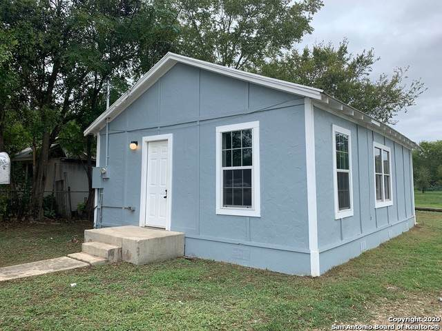 1311 Aldama St, Seguin, TX 78155 (MLS #1485326) :: HergGroup San Antonio Team