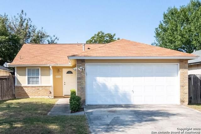 10135 Woodtrail, San Antonio, TX 78250 (MLS #1485640) :: NewHomePrograms.com LLC