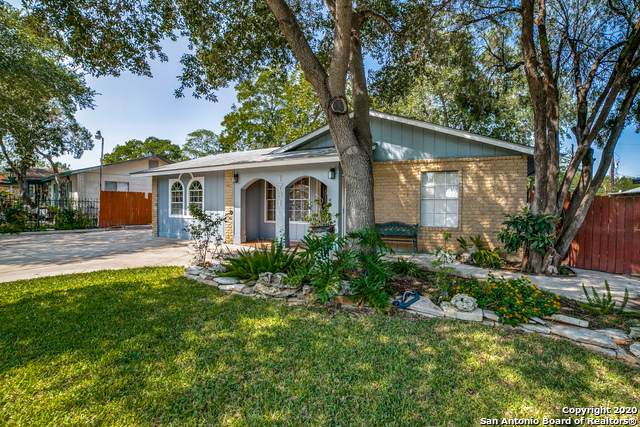 1731 Point West St, San Antonio, TX 78224 (#1485761) :: The Perry Henderson Group at Berkshire Hathaway Texas Realty