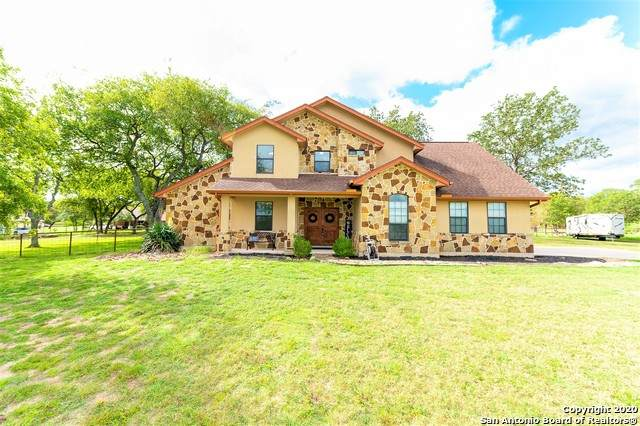 309 Stage Coach, La Vernia, TX 78121 (MLS #1485905) :: Alexis Weigand Real Estate Group