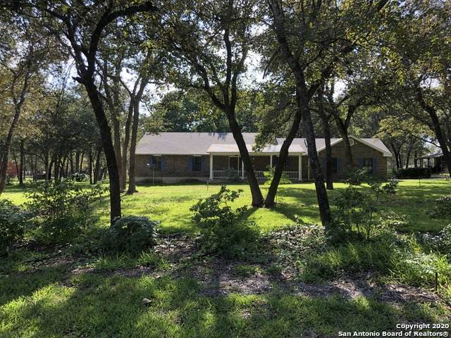 312 Hickory Trail Dr, La Vernia, TX 78121 (MLS #1486010) :: Maverick