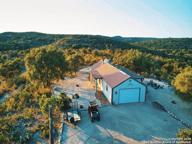 440 Cr 2412, Hondo, TX 78861 (MLS #1486475) :: Santos and Sandberg