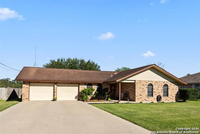 121 Plainview Dr, Poth, TX 78147 (MLS #1486809) :: The Glover Homes & Land Group