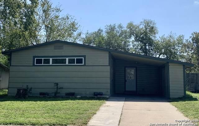 920 King Ave, Karnes City, TX 78118 (MLS #1487189) :: Neal & Neal Team