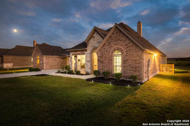 7113 Wild Coyote Ln, Fair Oaks Ranch, TX 78015 (MLS #1487643) :: ForSaleSanAntonioHomes.com