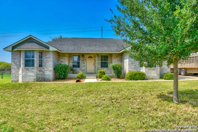 105 Northcrest, Floresville, TX 78114 (MLS #1487667) :: The Lugo Group