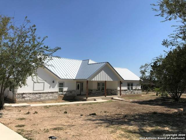 631 River Ranch Rd, Bandera, TX 78003 (MLS #1487814) :: BHGRE HomeCity San Antonio