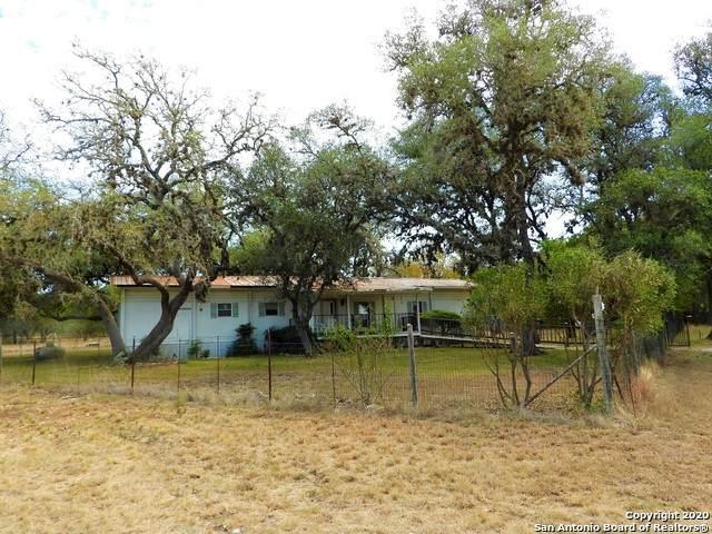 718 Green Oak Dr, Pipe Creek, TX 78063 (MLS #1487941) :: Santos and Sandberg