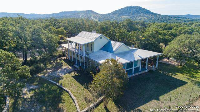 1606 Oakridge Ln, Pipe Creek, TX 78063 (MLS #1488038) :: Carolina Garcia Real Estate Group