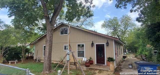 220 Bergfeld Ave, New Braunfels, TX 78130 (MLS #1488298) :: Neal & Neal Team