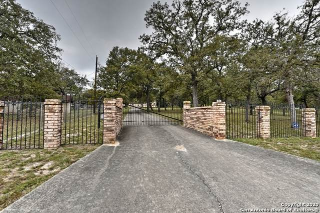 209 Trails End, La Vernia, TX 78121 (MLS #1488775) :: Neal & Neal Team