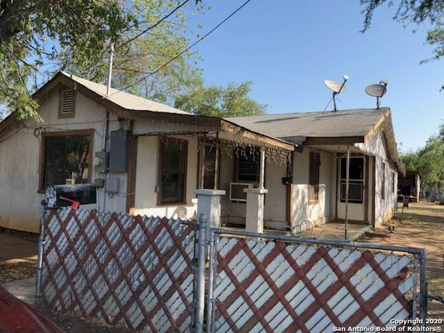 911 Bryan St, Carrizo Springs, TX 78834 (MLS #1489223) :: Neal & Neal Team