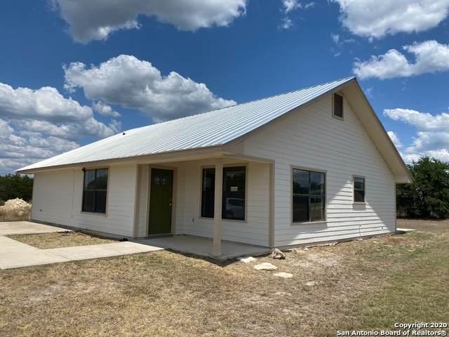 100 Vista Oaks Dr, Camp Wood, TX 78833 (MLS #1489259) :: The Gradiz Group