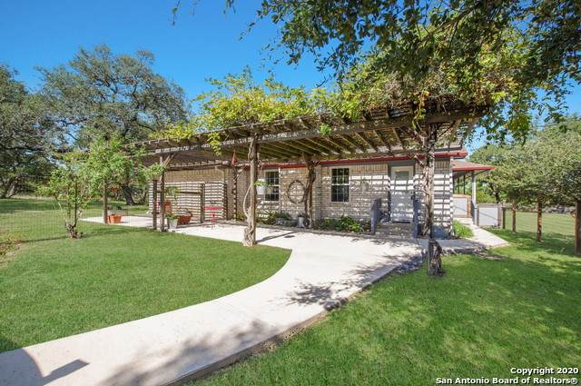 129 Hunters View Cir, Boerne, TX 78006 (MLS #1489383) :: The Lugo Group