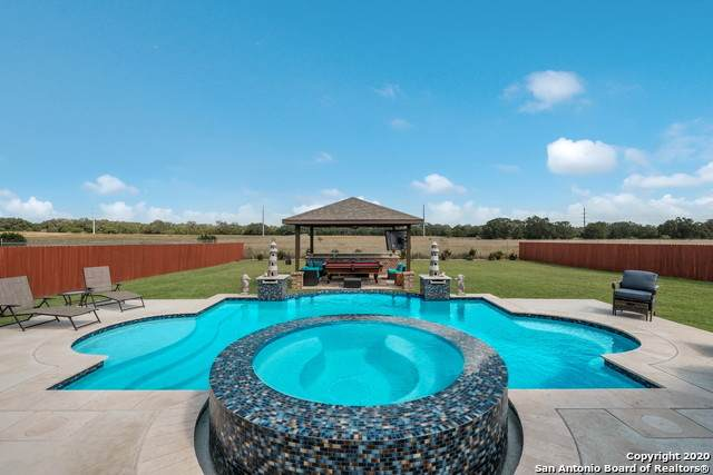 30484 Setterfeld Cir, Fair Oaks Ranch, TX 78015 (MLS #1489385) :: Neal & Neal Team