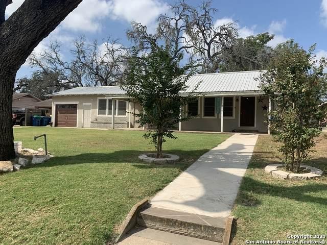 416 Lantana Ln, Pleasanton, TX 78064 (MLS #1489568) :: Neal & Neal Team