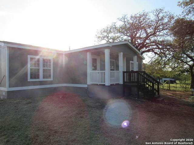 3862 County Road 427, Stockdale, TX 78160 (MLS #1489719) :: 2Halls Property Team | Berkshire Hathaway HomeServices PenFed Realty