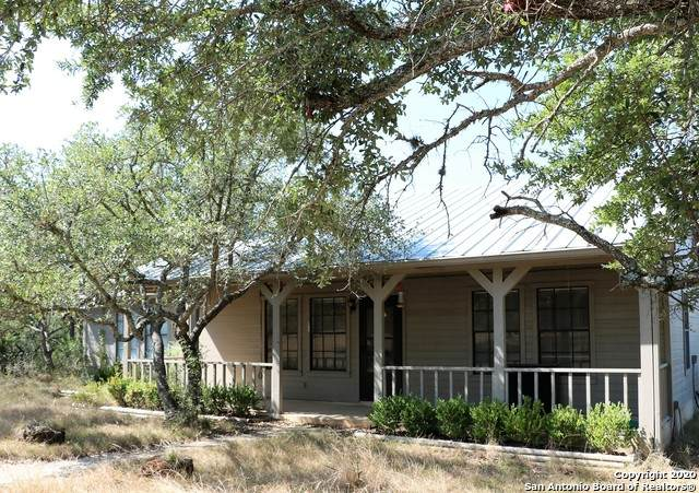 405 Oakridge Trail, Pipe Creek, TX 78063 (MLS #1489764) :: The Lugo Group