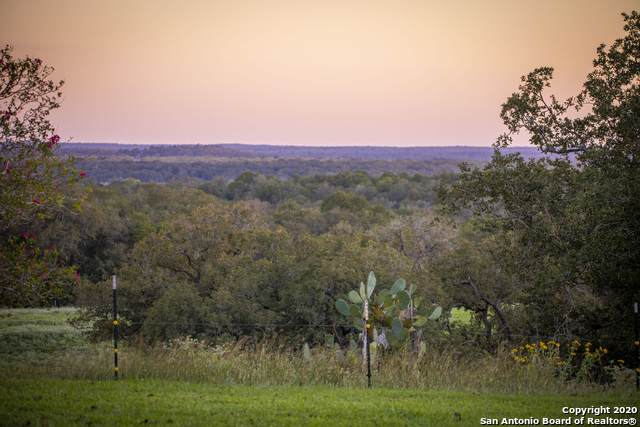 22317 State Highway 80 N, Gonzales, TX 78629 (MLS #1489823) :: The Glover Homes & Land Group