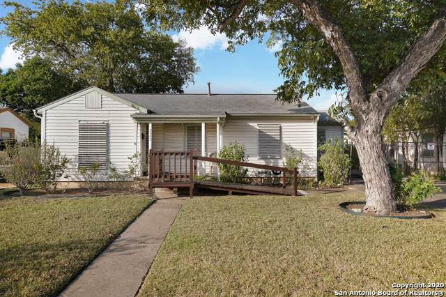 2307 W Woodlawn Ave, San Antonio, TX 78201 (MLS #1489996) :: 2Halls Property Team | Berkshire Hathaway HomeServices PenFed Realty