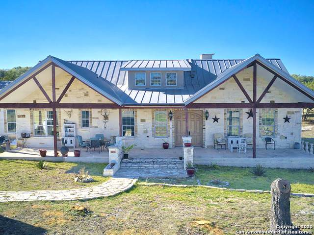 200 Leigh Circle, Mountain Home, TX 78058 (MLS #1490017) :: The Glover Homes & Land Group