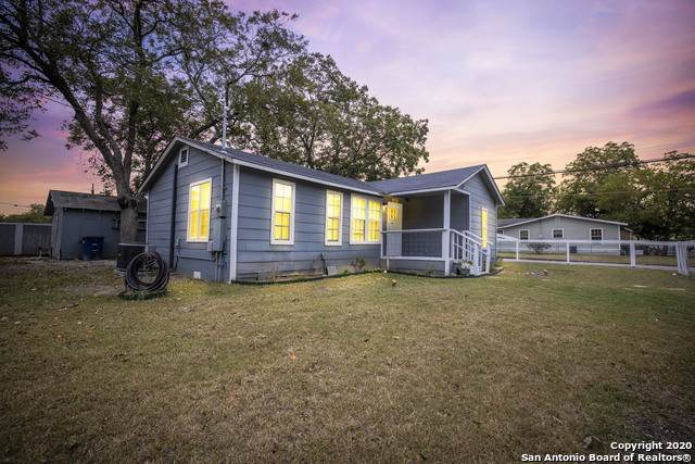 1595 W Bridge St, New Braunfels, TX 78130 (MLS #1490149) :: 2Halls Property Team | Berkshire Hathaway HomeServices PenFed Realty